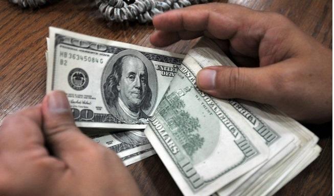 Требовал три тысячи долларов: На Львовщине на взятке задержали землеустроителя