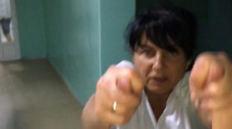 «Падала с ног, бросалась на полицейского и детей»: Стало известно, как наказали медсестру которая устроила пьяный дебош в детской больнице