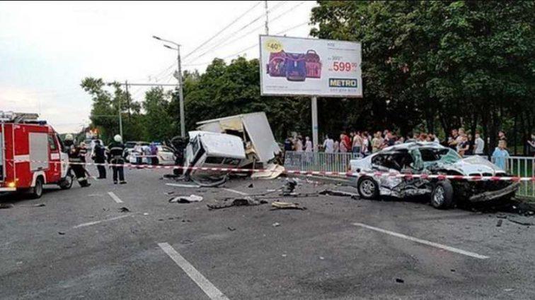 Ужасное ДТП: водитель грузовика не справился с управлением, двое погибших