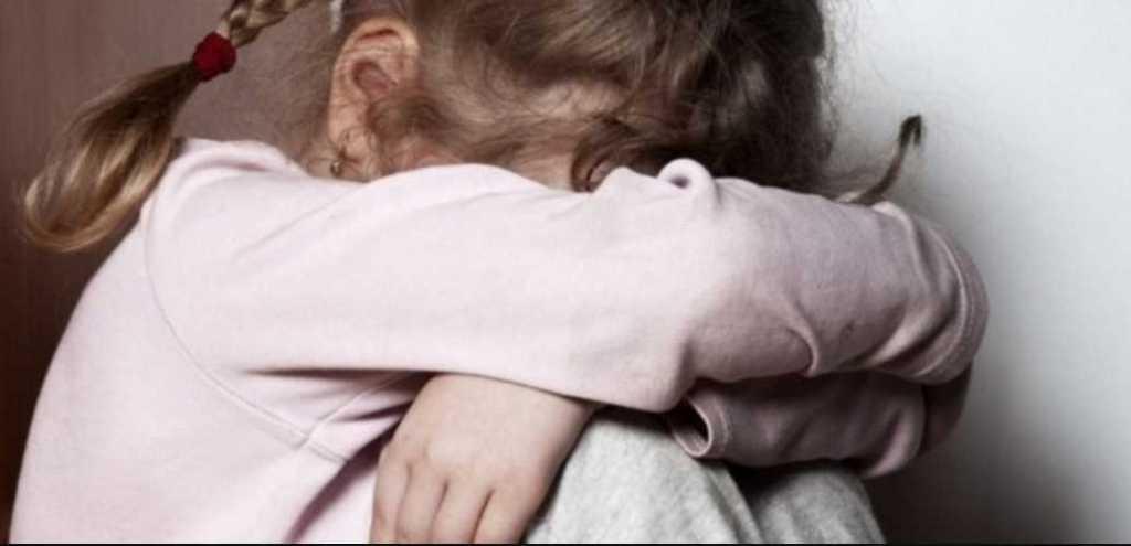 «Девочка была изнасилована»: Дед пальцами развращал 4-летнюю внучку