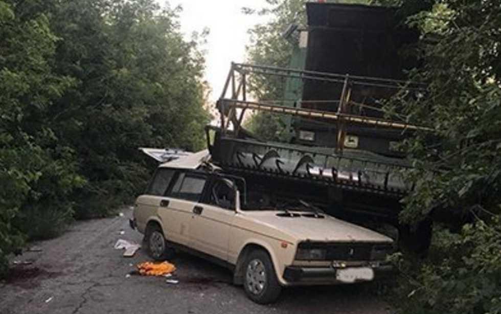 Смертельное ДТП на Тернопольщине: комбайн раздавил легковушку