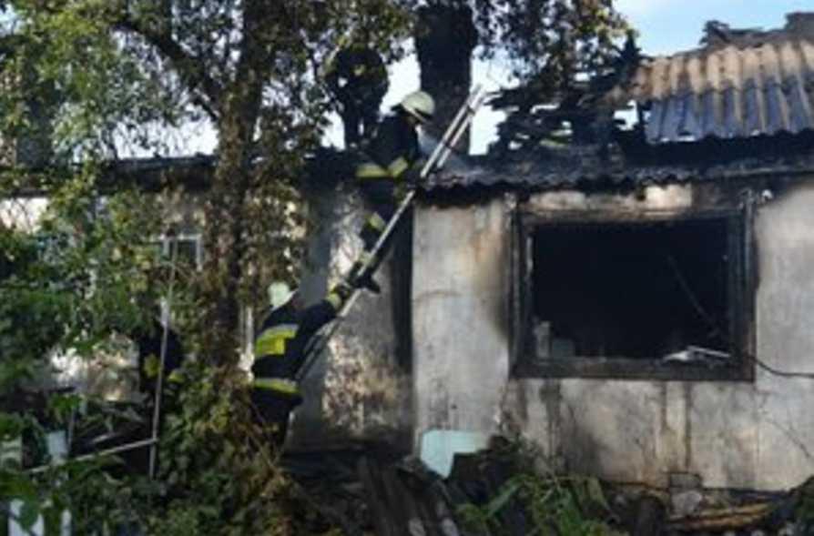 На пепелище нашли бездыханные тела: страшная трагедия всколыхнула весь регион