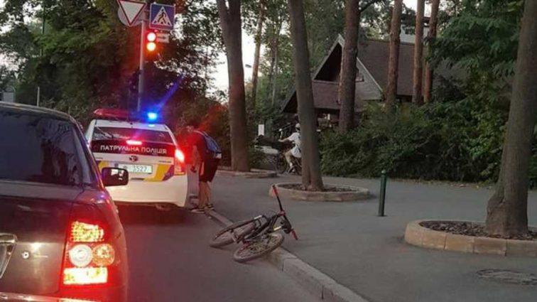 Сеть свирепствует: копы нагло сбили велосипедиста