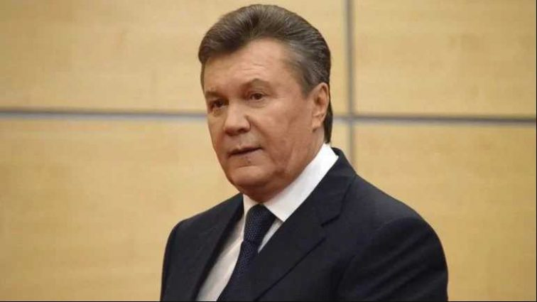 «Цирк»: Адвокаты Януковича подняли шум в суде