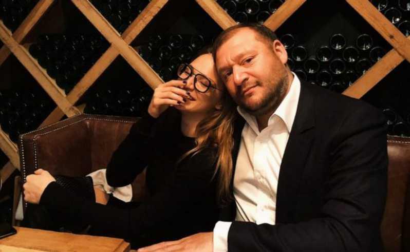 «Откровенная фотосессия и элитный отдых»: Дочь Добкина показала беременность по-королевски