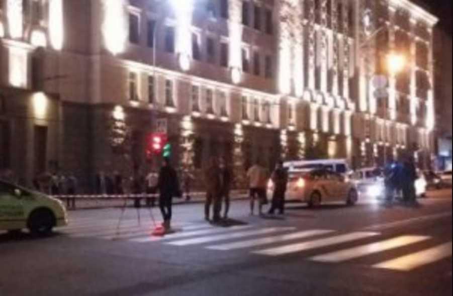 Под горсоветом стреляли: трагически погиб полицейский