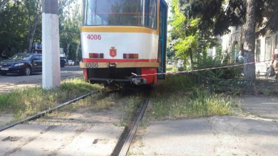 Беззаботно возвращалась домой! Женщина попала под трамвай и погиб
