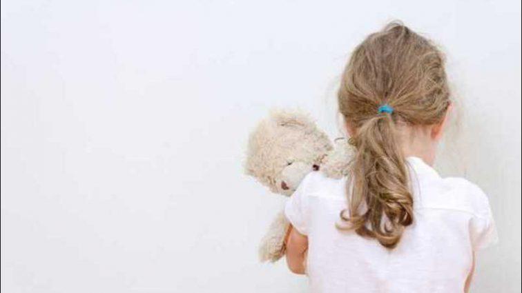 «Забирал на выходные и развращал»: Отец издевался над 4-летней дочерью