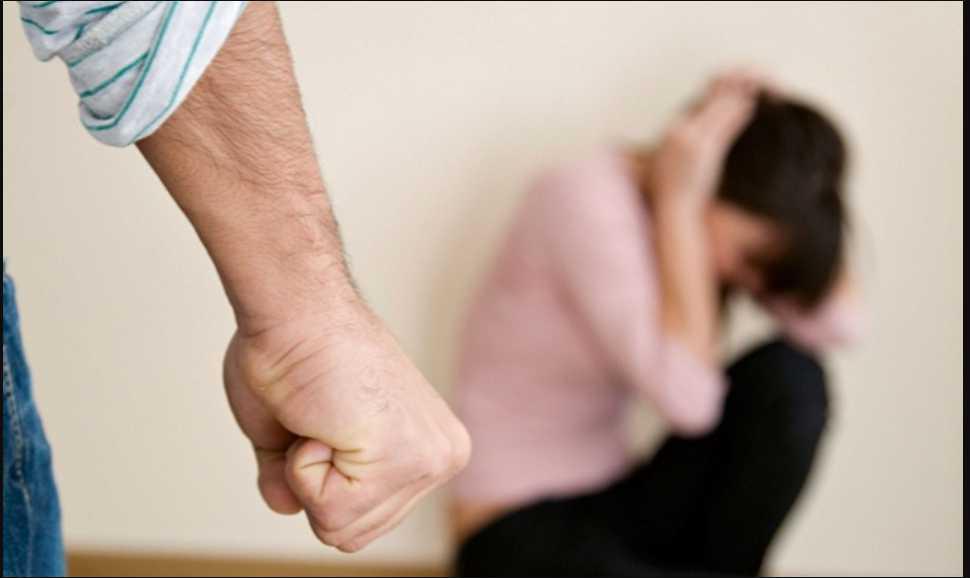 «Женщина умирала в бешеных мукам»: Мужчина до смерти избил жену и лег с ней спать