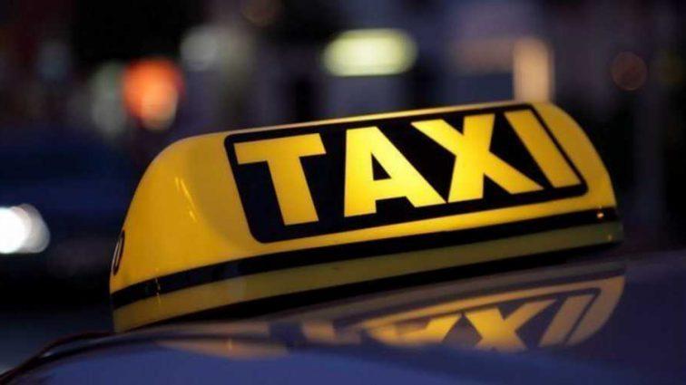 Экстремальная поездка: водитель такси принял роды у пассажирки