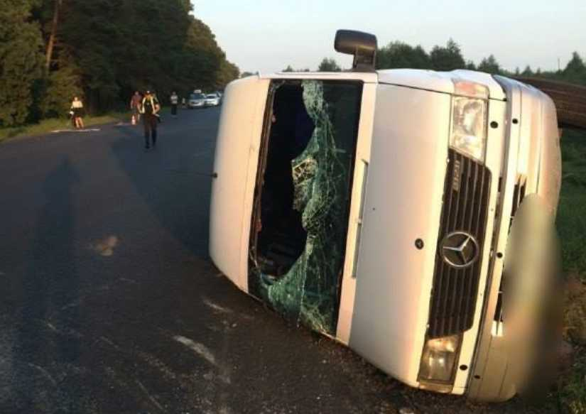 Жуткая ДТП на Волыни: Пьяный водитель легковушки на большой скорости врезался в маршрутку с пассажирами