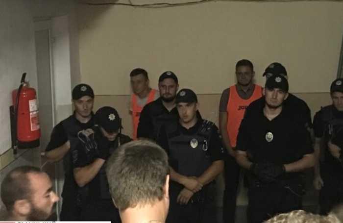 «Заплатили бабки вам позорники» Мэр Ивано-Франковска с нецензурной лексикой набросился на судей после футбольного матча