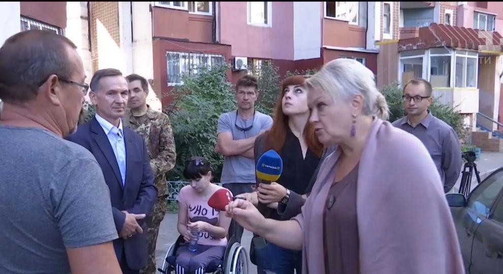 «Так их квартиры будут меньше стоить» В Харькове сумасшедшие соседи не дают паралимпийцы установить пандус возле дома