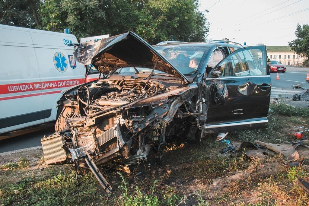 На скорости 200 км / ч: в Киеве пьяный мажор повлек за собой ужасное ДТП