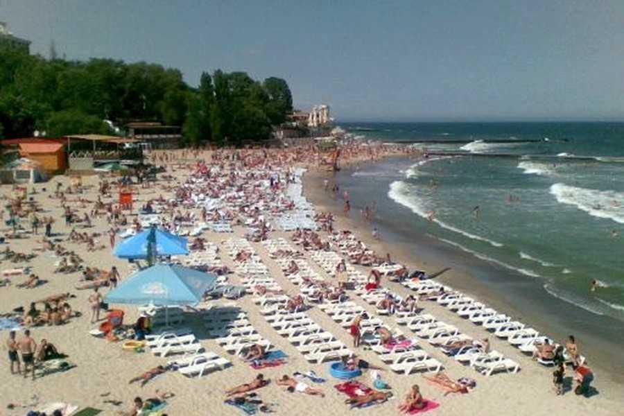 Поиски продолжаются третий день: На популярном украинском курорте трагически погибли двое туристов