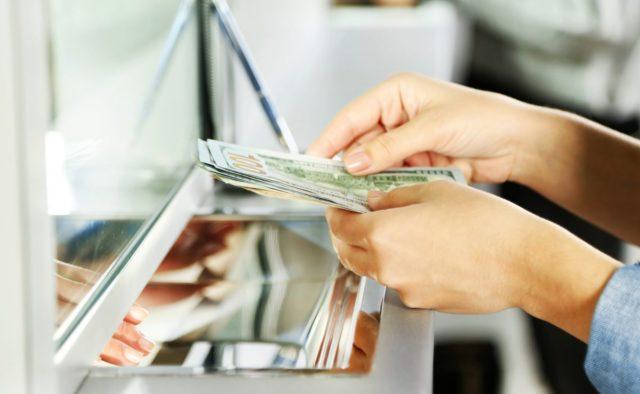Доллар достиг нового уровня: Нацбанк определился с курсами валют на 18 августа