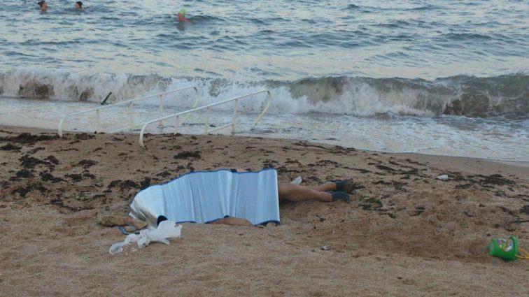 «Оставили его на пляже»: В гибели туриста на украинском курорте обвинили полицию