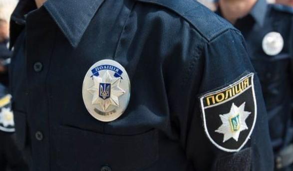 В Киеве возле жилого дома нашли труп мужчины, который умер при загадочных обстоятельствах