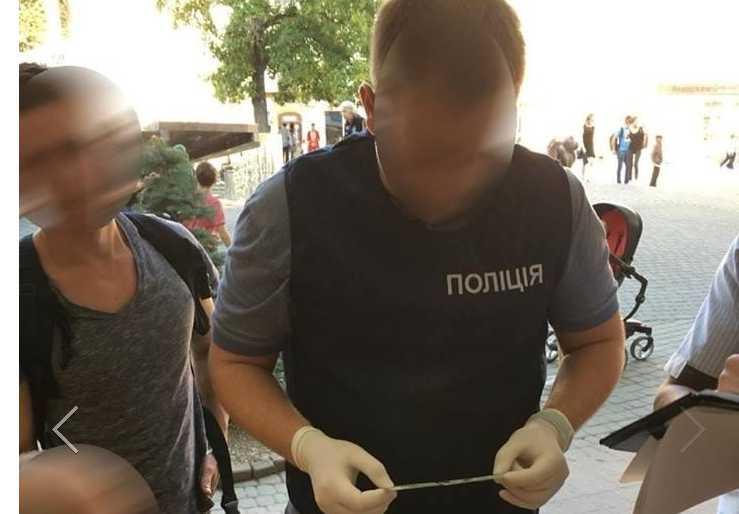 В Франковске на взятке задержали чиновника