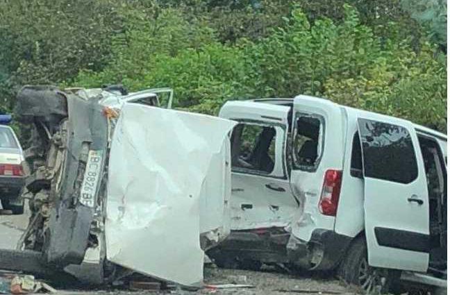 Жуткая авария на Львовщине: Легковушка на большой скорости врезался в другое авто