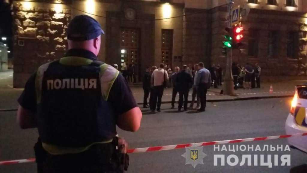 Неадекватные открыли стрельбу по людям в центре Черновцов: Первые подробности