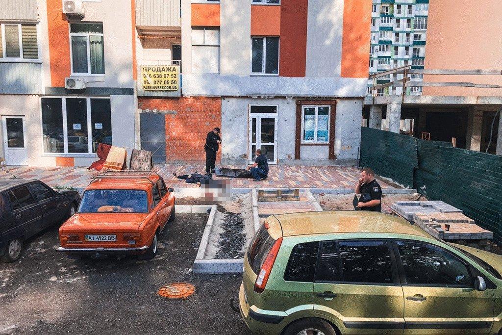 Возвращалась с работы домой и так и не дошло: В Киеве трагически погибла женщина