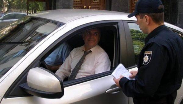 Штрафы по-новому: как  будут наказывать водителей за непристегнутых пассажиров