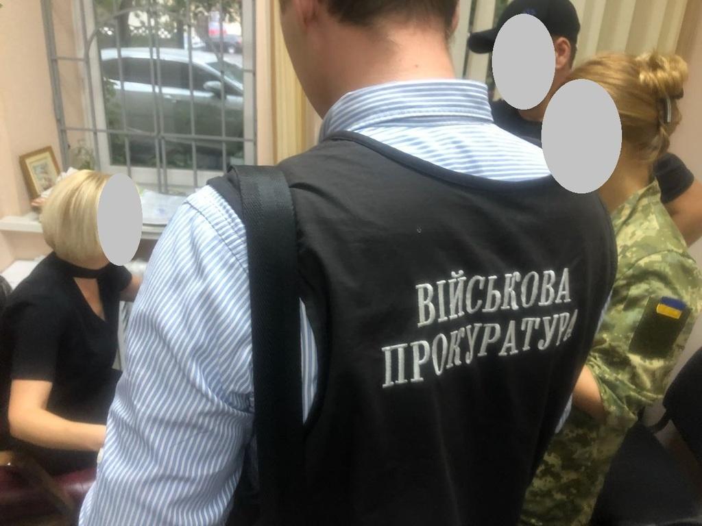 Требовала 12 тысяч долларов: в Днепре депутат погорел на взятке