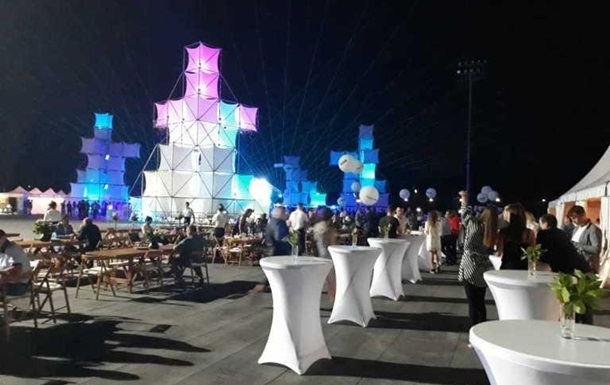 Закрытая вечеринка Roshen — это банкет на костях: шампанское рекой и танцы за миллионы гривен