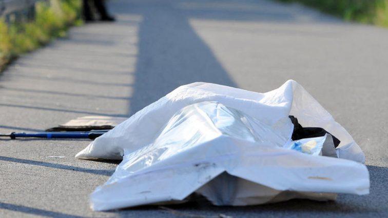 Несколько часов пролежало в парке: В Киеве нашли бездыханное тело мужчины