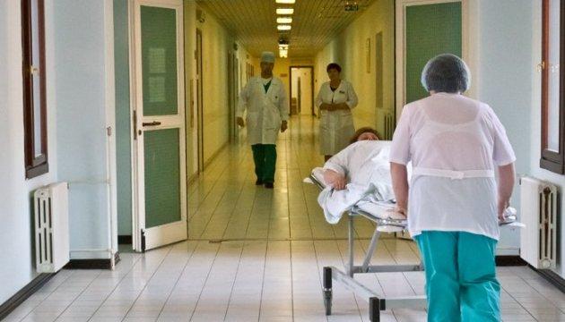 С поминального обеда на больничные койки: На Прикарпатье массово отравились люди, первые подробности