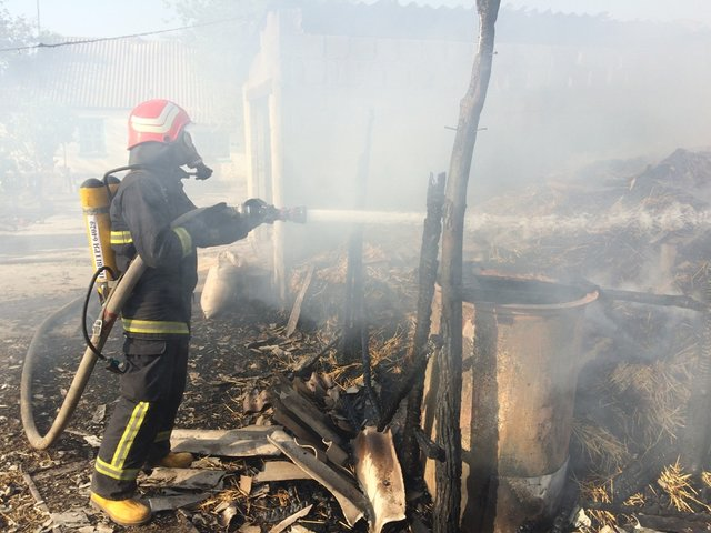 Родители не досмотрели: На Кировоградщине во время тушения пожара спасатели нашли тело четырехлетнего ребенка