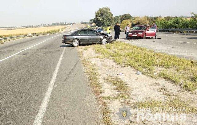 Жуткая ДТП на Полтавщине: Легковушки на большой скорости столкнулись лоб в лоб, есть жертвы