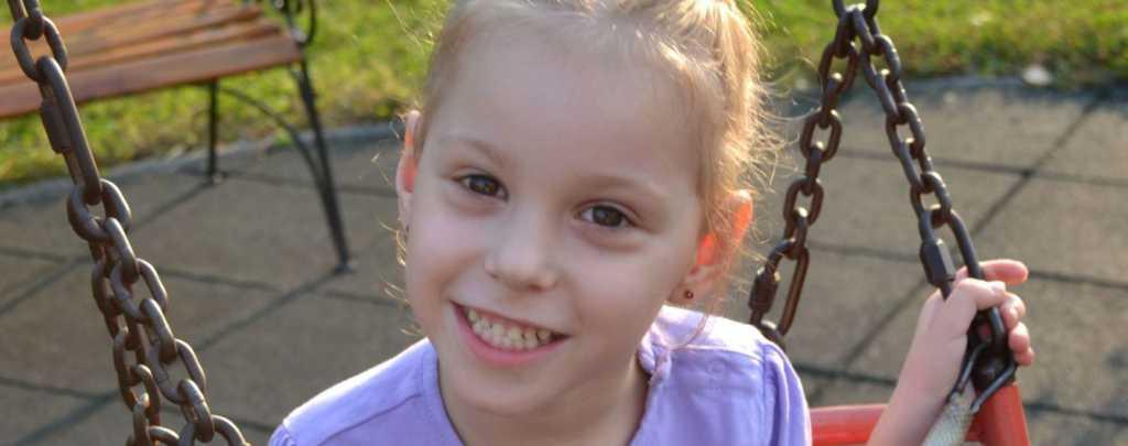 Ребенку нужна дорога реабилитация: помогите красавице Ксении преодолеть зловещую болезнь