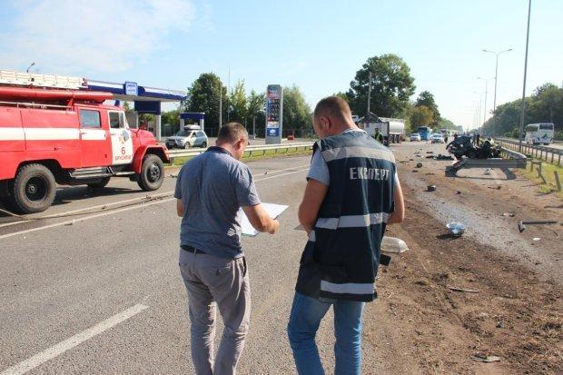 Задали более 30 ножевых ударов: в Киеве зверски убили таксиста