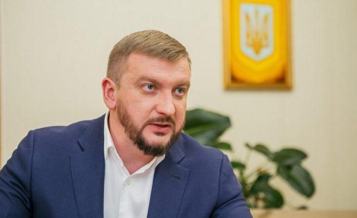 Обвинили в крышевании рейдерства: Скандального министра Петренко хочу отправить в отставку
