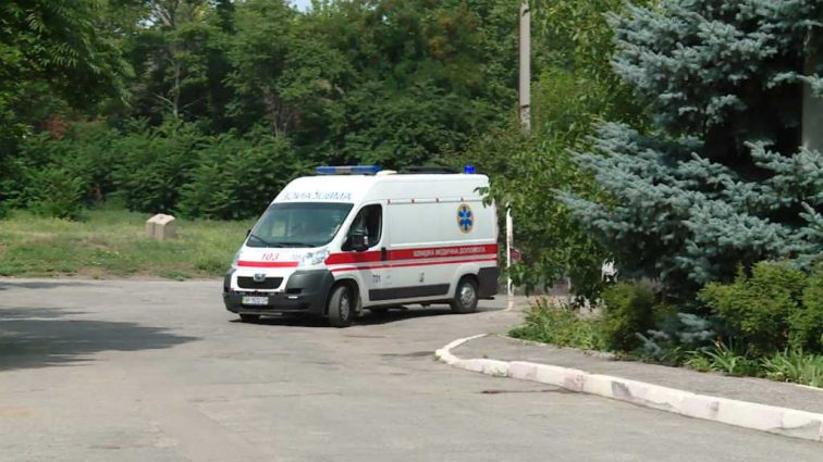 Из-за чьей-то неудачной шутки: В Запорожье госпитализирована 28 учеников из школы