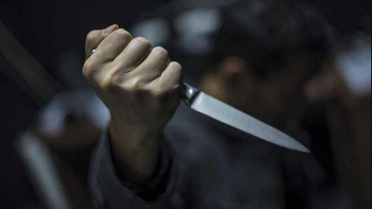 «Лежал мертвый в луже крови»: В подземном переходе обнаружили убитого мужчину