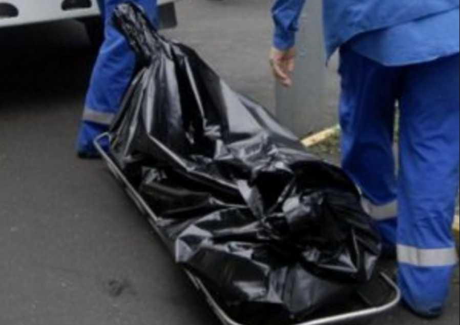 Прятался под диваном: убийца несколько дней прожил в квартире с трупом