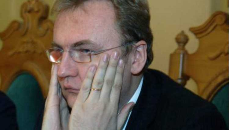 «Это политический шоумен, который убегает от проблем в городе» Эксперт резко прошелся по Садовому