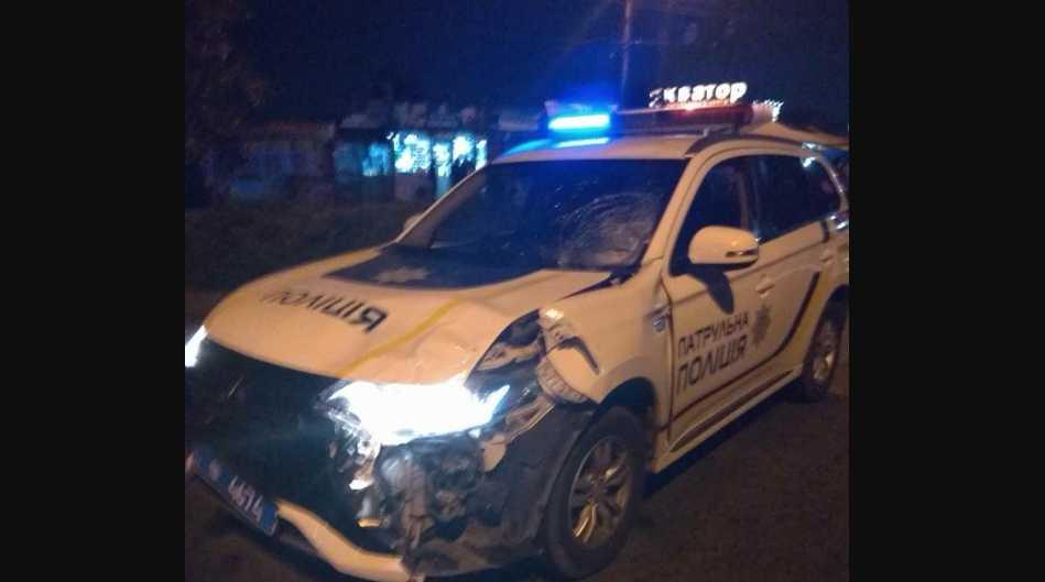 Автомобиль полиции насмерть сбил пешехода, водитель скрылся в неизвестном направлении