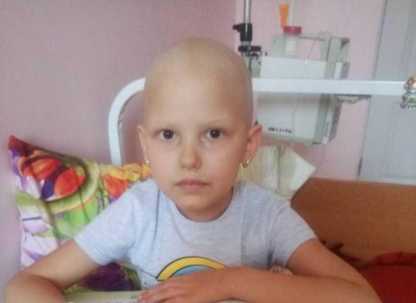 Сейчас у семьи финансовые трудности: помогите меленько Каринке побороть лейкоз