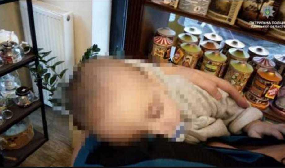 Променяли пятимесячного ребенка на бутылку: неслыханная история скилихнула всю Украину