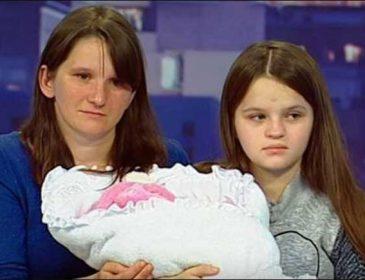 Обещанного жилья не дали, пришлось поехать на заработки: как живет самая молодая мама Украины