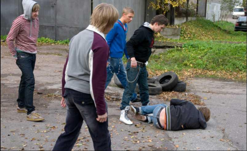 Жестокость школьников шокировала даже полицию: подростки упорно издевались над мальчиком с ДЦП