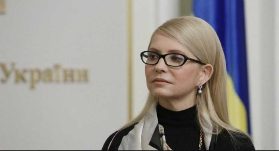 «Моя очередь»: Тимошенко вышла в свет в образе президента