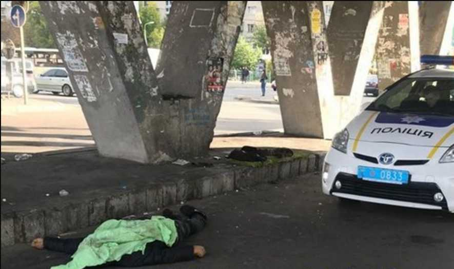 Первая жертва холодов: в столице насмерть замерз мужчина