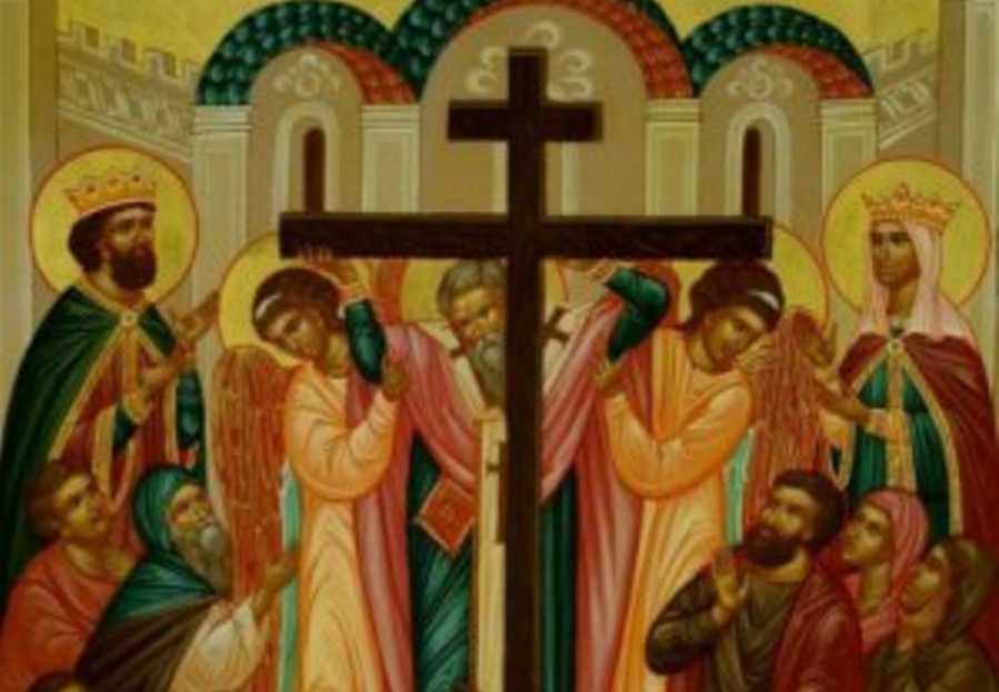 Воздвижения Креста Господня: что не стоит делать в праздник, чтобы змеи не затащили в своей ямы