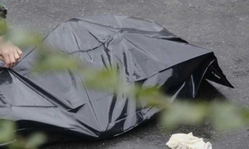 Нелепая смерть: парень убил сам себя, забирая еду из окна фастфуда