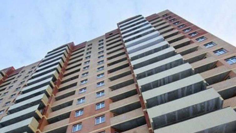 «Сказала родителям, что немного погуляет»: 14-летняя девочка выбросилась с 14-го этажа, оставив предсмертную записку